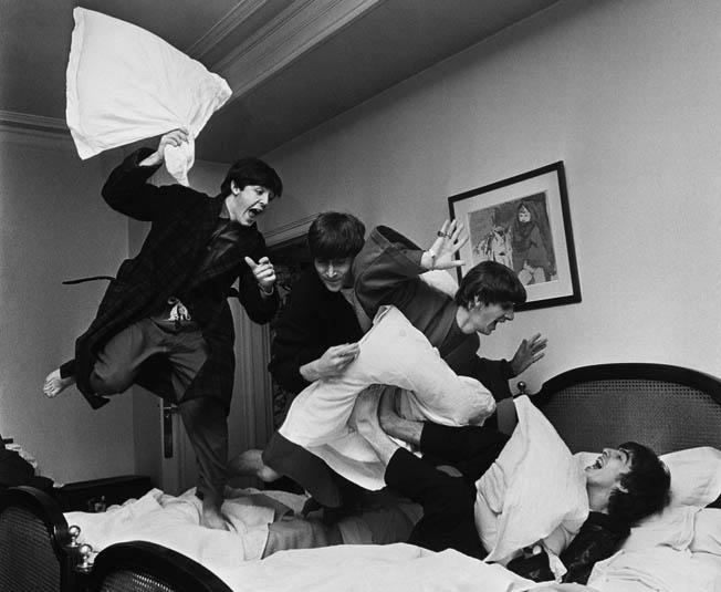 Harry Benson - Beatles pillowfight paris