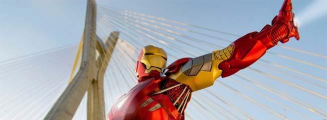 Fotógrafa clica super-heróis em São Paulo