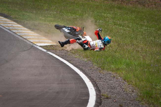 Moto1000GP-Fernando-Nunes Acidente-Alexsandro-Pires (1)