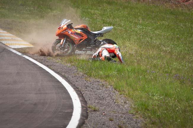 Moto1000GP-Fernando-Nunes Acidente-Alexsandro-Pires (2)