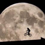 Fotógrafo recria cena de ET, Elliot e a Lua, sem efeitos especiais