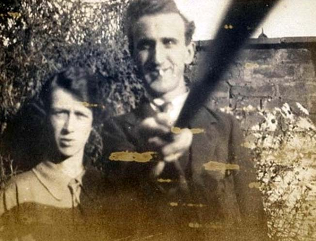 foto bastão de selfie antigo 1926